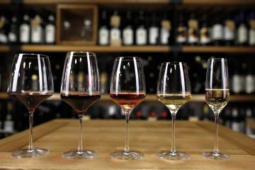 vinuri în pocal