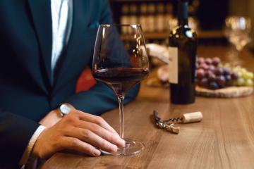 article despre blind tasting of Feteasca Nearga wines at enoteca