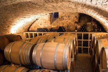 butoaie de stejar cu vin