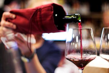 "Blind tasting of Moldovan ""Pinot-Noir"""
