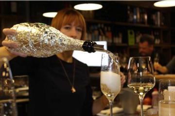 Оцениваем вина с волшебными пузырьками